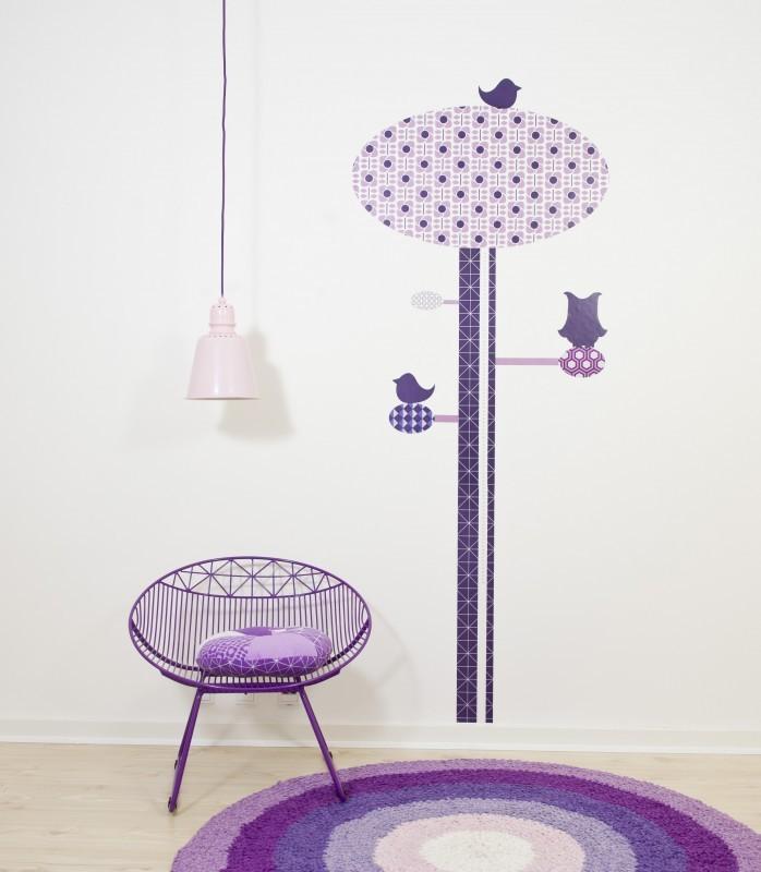 Wandgestaltung Kinderzimmer Lila : Wandgestaltung im Kinderzimmer mit Wandsticker Messlatte Baum in Lila