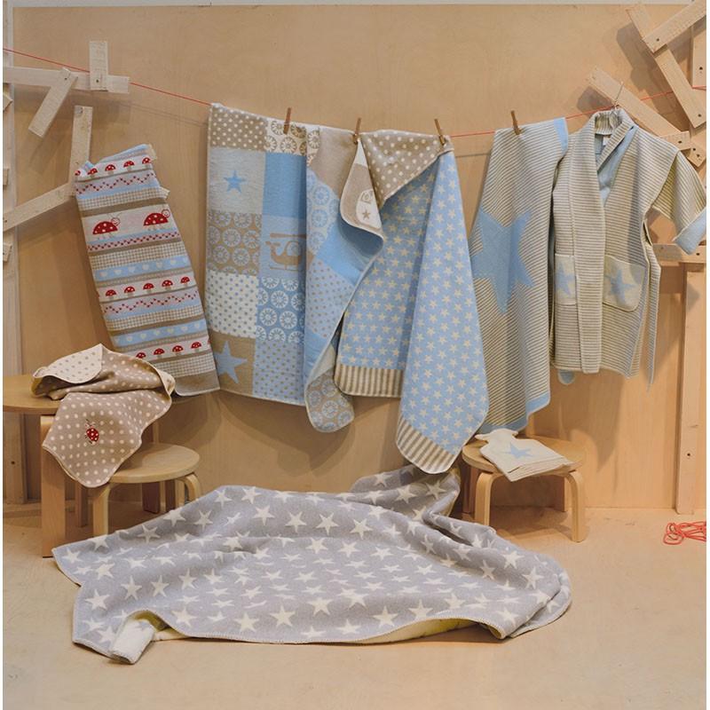babydecke aus baumwolle gemustert beige hellblau 70 x 90 cm von david fussenegger. Black Bedroom Furniture Sets. Home Design Ideas