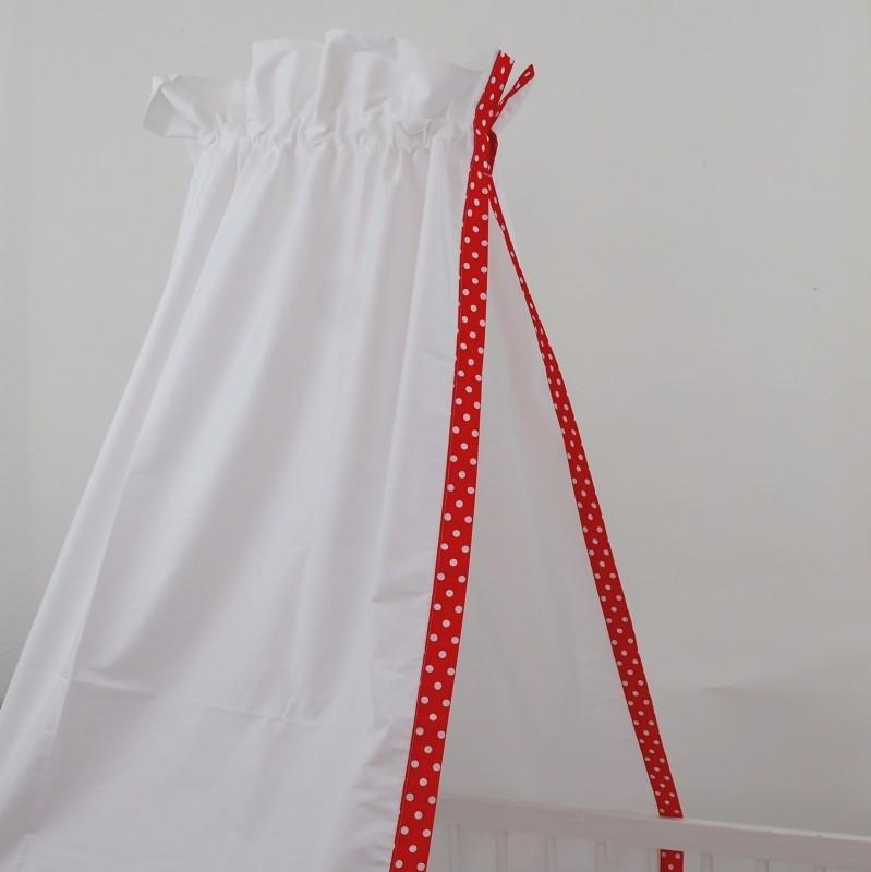 babybett himmel in weiss mit fr hlicher einfassung mit weiss roten punkten f r ein. Black Bedroom Furniture Sets. Home Design Ideas